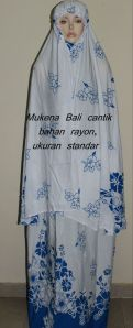 Mukena  Bali putih bunga biru